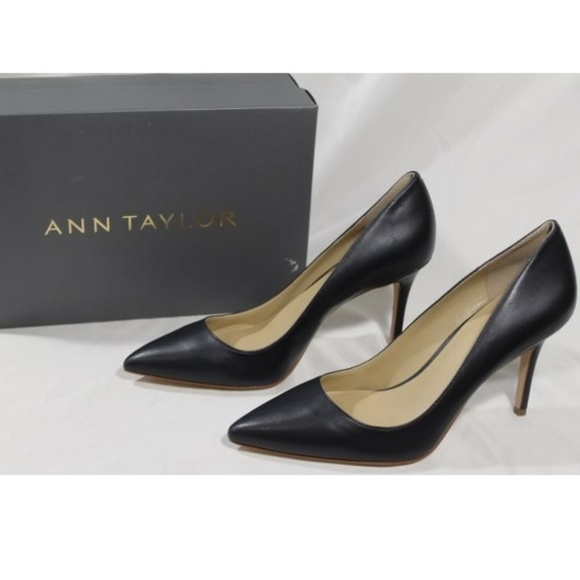 a3860215c279 Mila Leather Pump Navy Blue Close to Black New